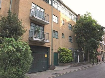 3 Bedrooms Flat for sale in 30 Goswell Road, Finsbury