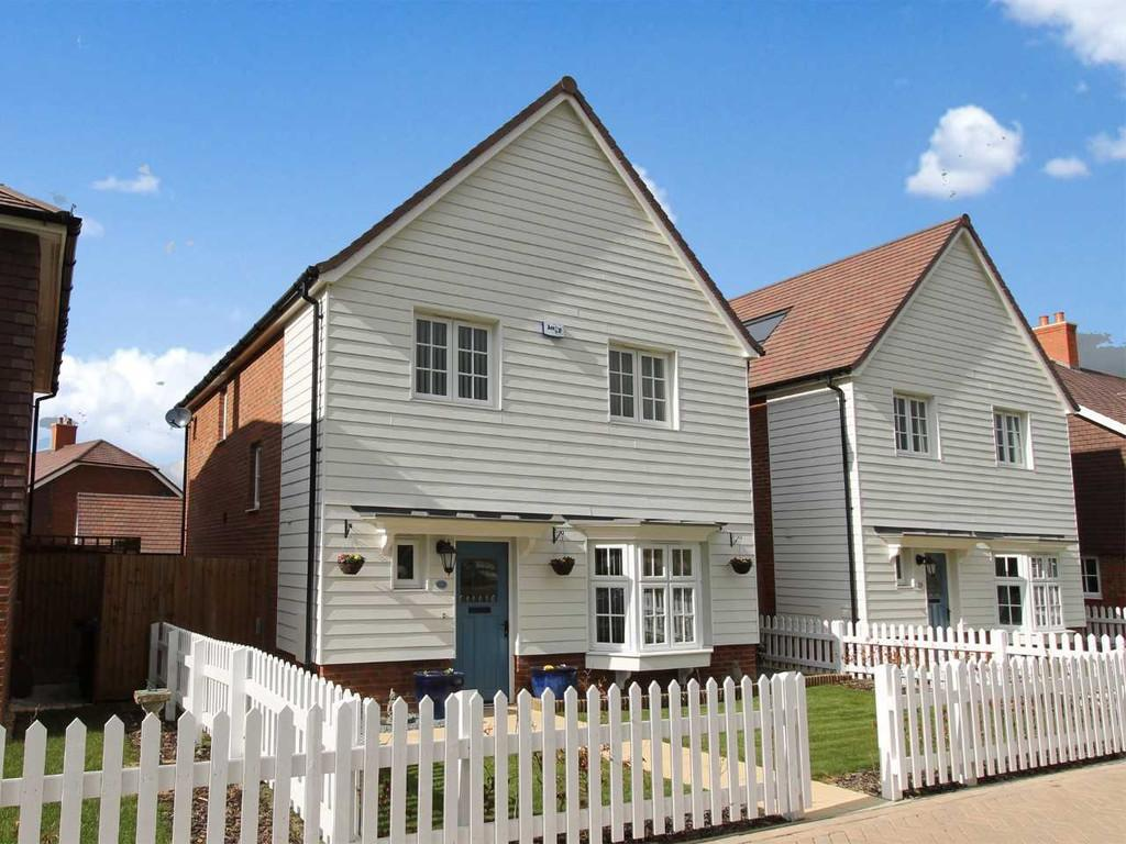 4 Bedrooms Detached House for sale in Gurr Walk, Marden