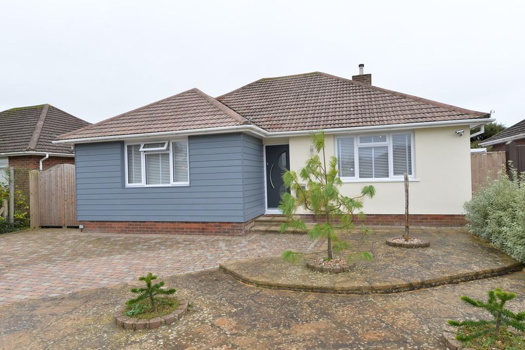 2 Bedrooms Detached Bungalow for sale in Barton Drive, Barton on Sea