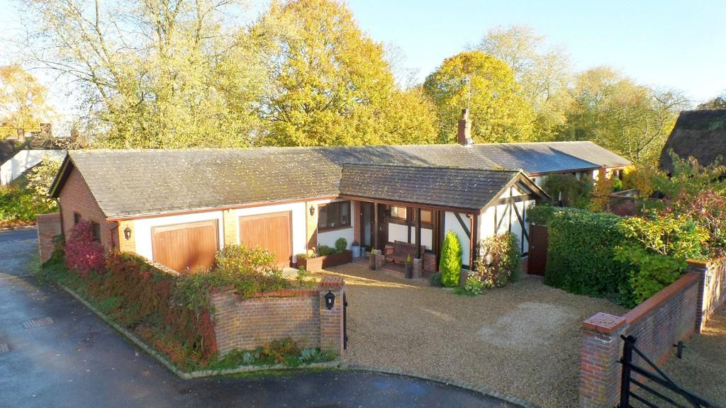 4 Bedrooms Detached Bungalow for sale in Cottered, Buntingford