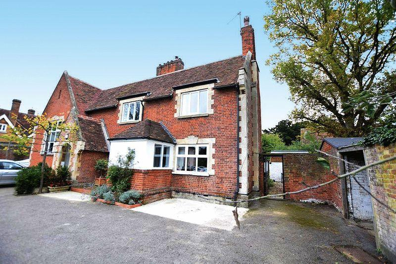 3 Bedrooms Semi Detached House for sale in The Street, Maidstone