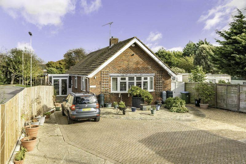 3 Bedrooms Detached Bungalow for sale in East Preston