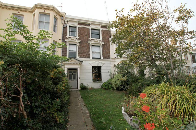 5 Bedrooms Terraced House for sale in Deal Conservation