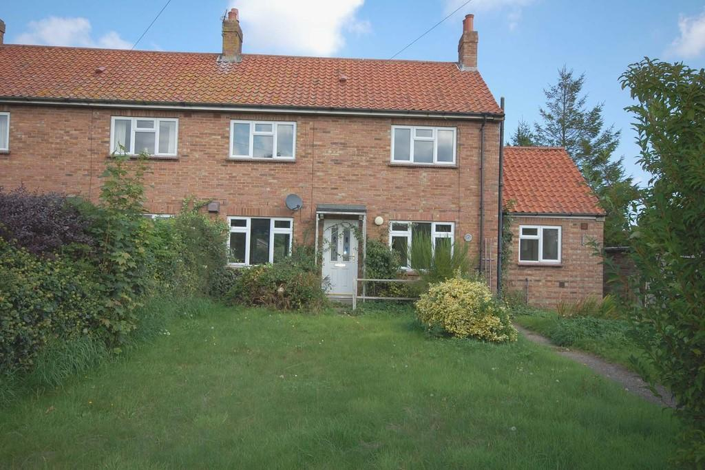 3 Bedrooms Semi Detached House for sale in Little Barningham
