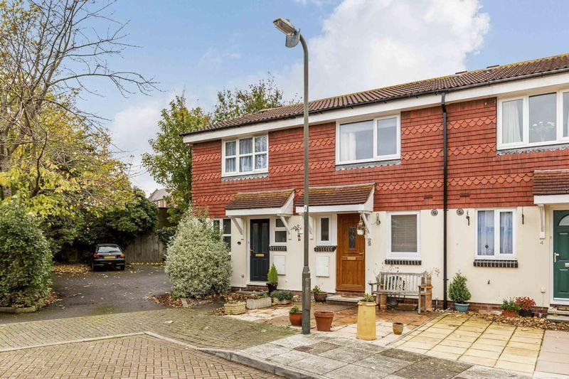 2 Bedrooms Terraced House for sale in Brasted Court, Southsea