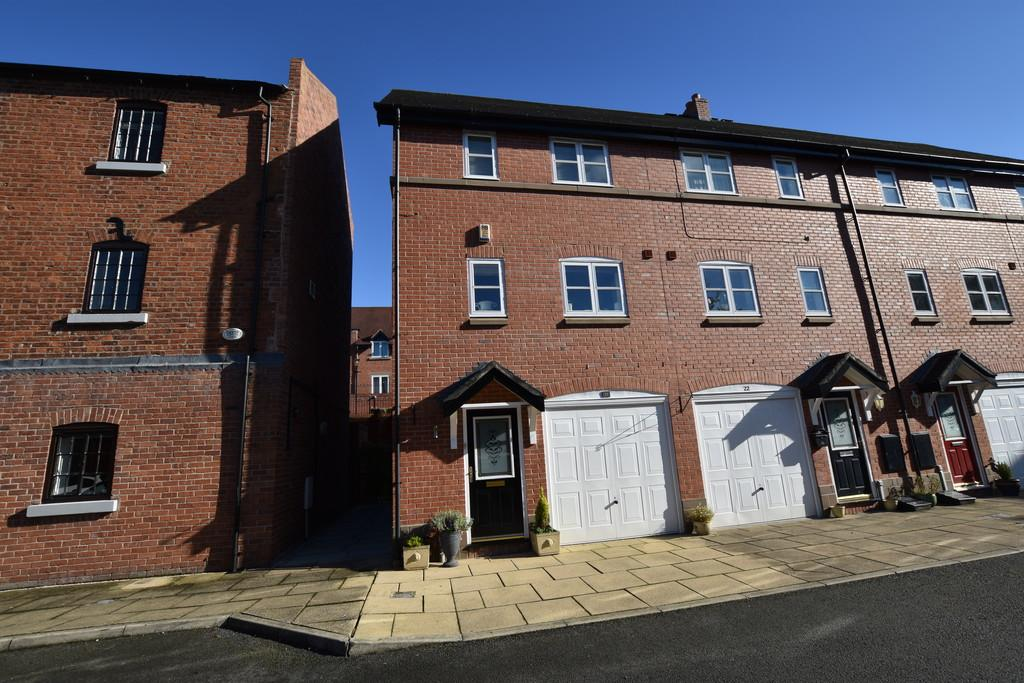 3 Bedrooms End Of Terrace House for sale in Old Mill Place, Tattenhall