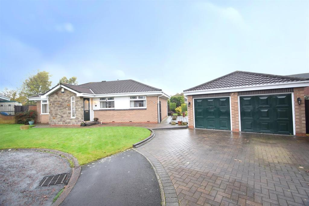 3 Bedrooms Detached Bungalow for sale in Holland Park, Wallsend