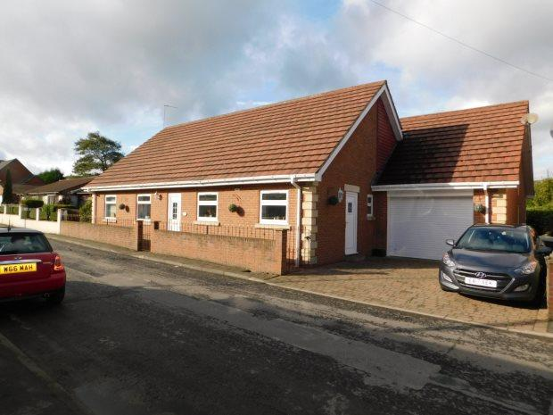 4 Bedrooms Detached Bungalow for sale in 3 REAR HIGH STREET NORTH, LANGLEY MOOR, DURHAM CITY : VILLAGES WEST OF