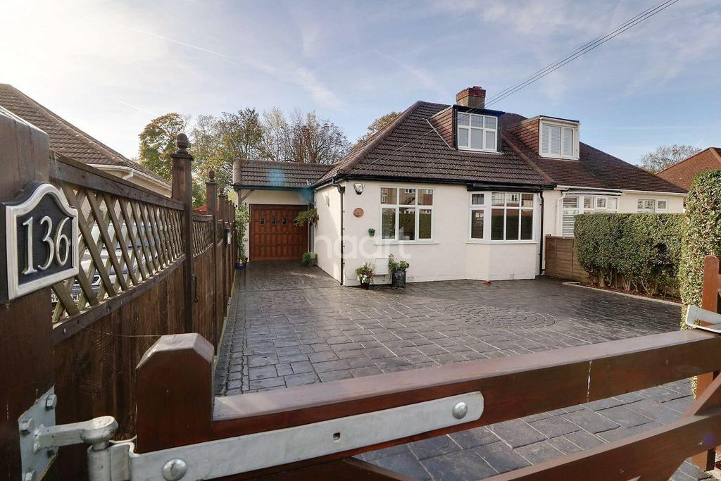 3 Bedrooms Bungalow for sale in Repton Road, Orpington