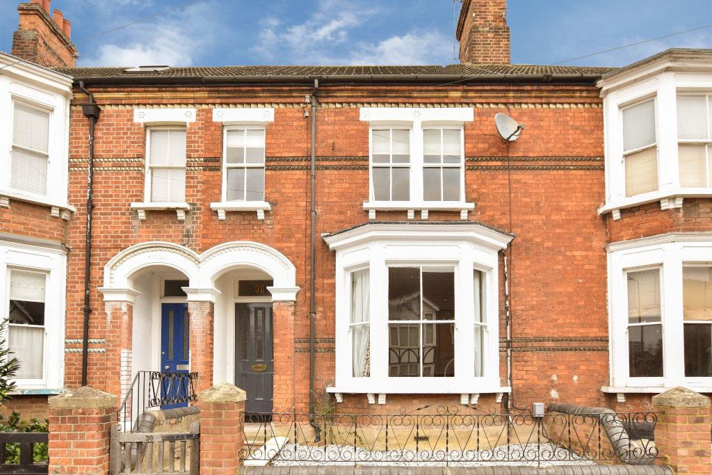 5 Bedrooms Terraced House for sale in Castle Road, Bedford