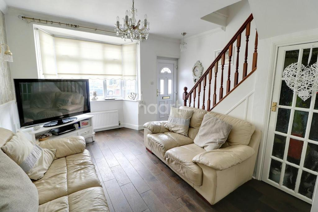3 Bedrooms Terraced House for sale in Larmans Road, Enfield, EN3