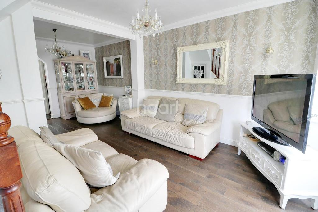 3 Bedrooms Terraced House for sale in Larmans Road, Enfield, EN3