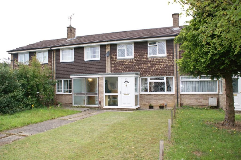 3 Bedrooms Terraced House for sale in Linnet Drive, Tile Kiln, Chelmsford, Essex, CM2