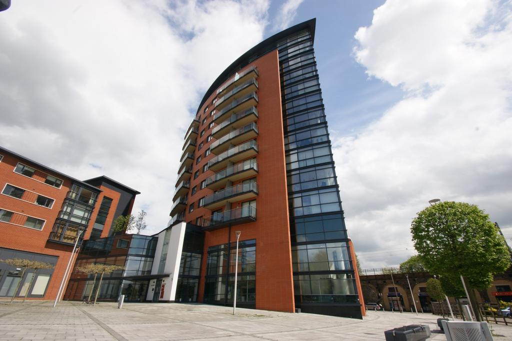 1 Bedroom Apartment Flat for sale in Kings Tower, Marconi Plaza, Chelmsford, CM1