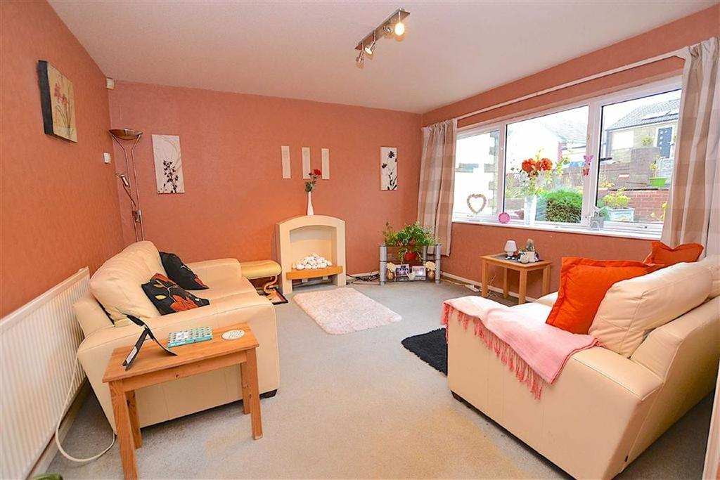 2 Bedrooms Semi Detached House for sale in Longworth Avenue, Burnley, Lancashire