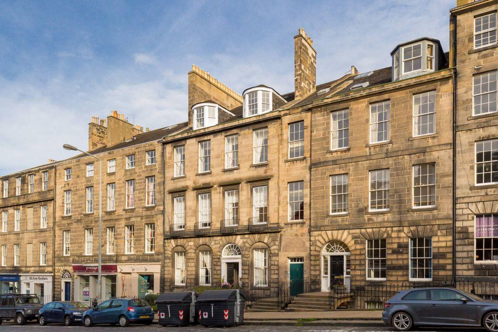 4 Bedrooms Flat for sale in 11/4 Howe Street, New Town, Edinburgh, EH3 6TE