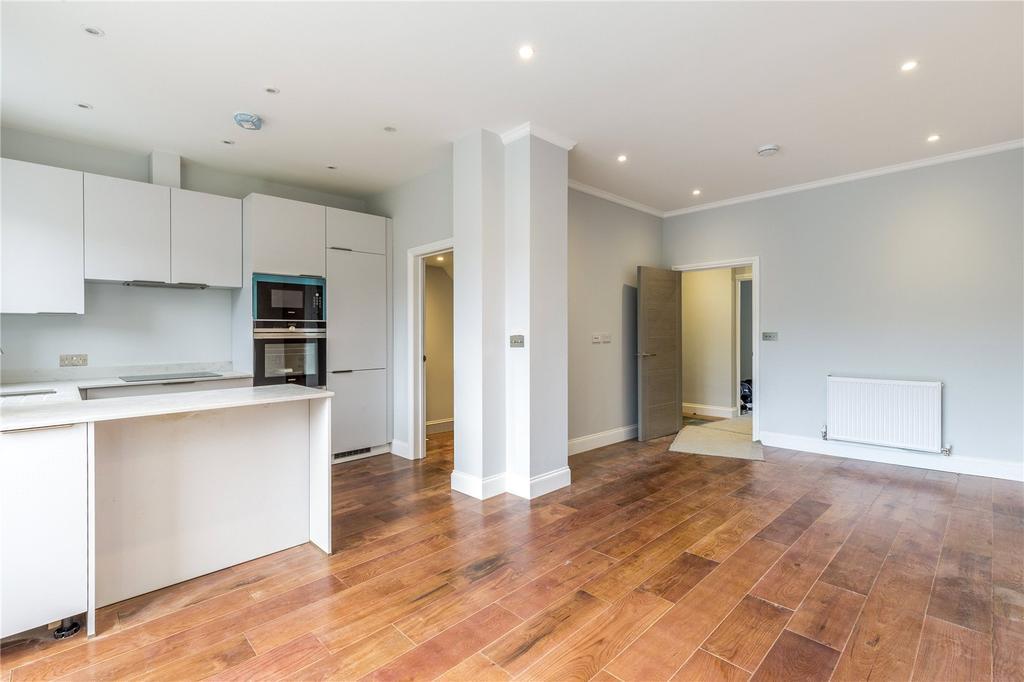 1 Bedroom Flat for sale in Boscombe Road, Shepherd's Bush, W12