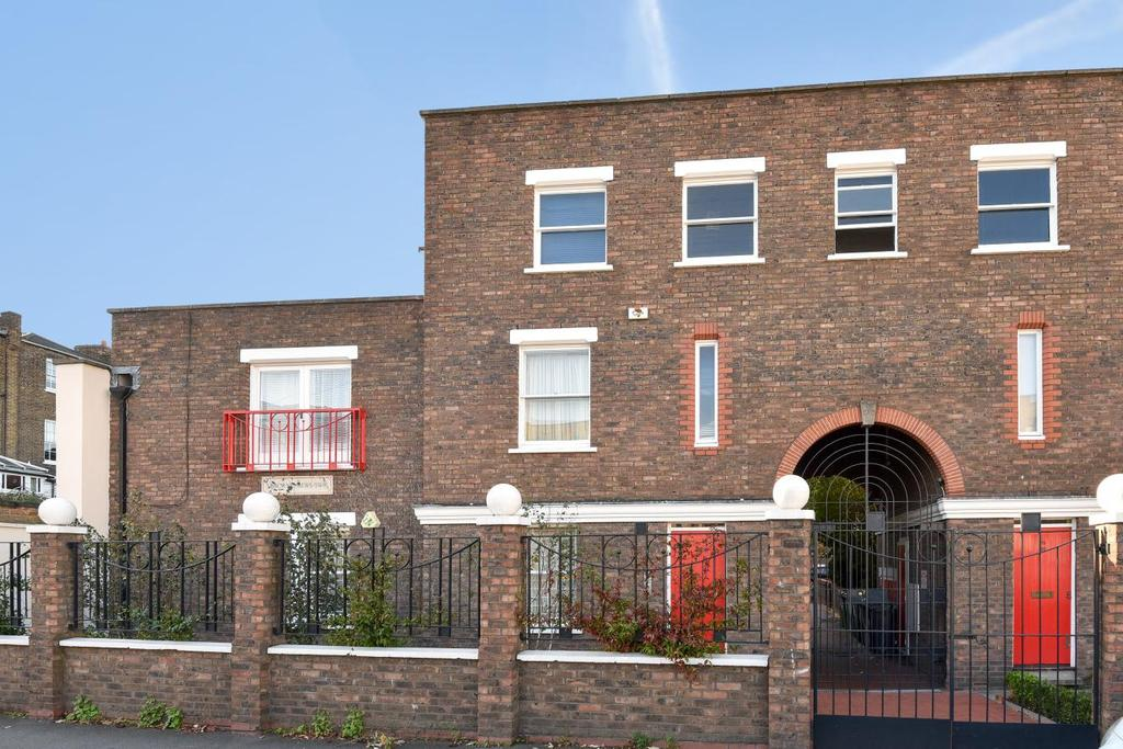 1 Bedroom Flat for sale in Usborne Mews, Oval