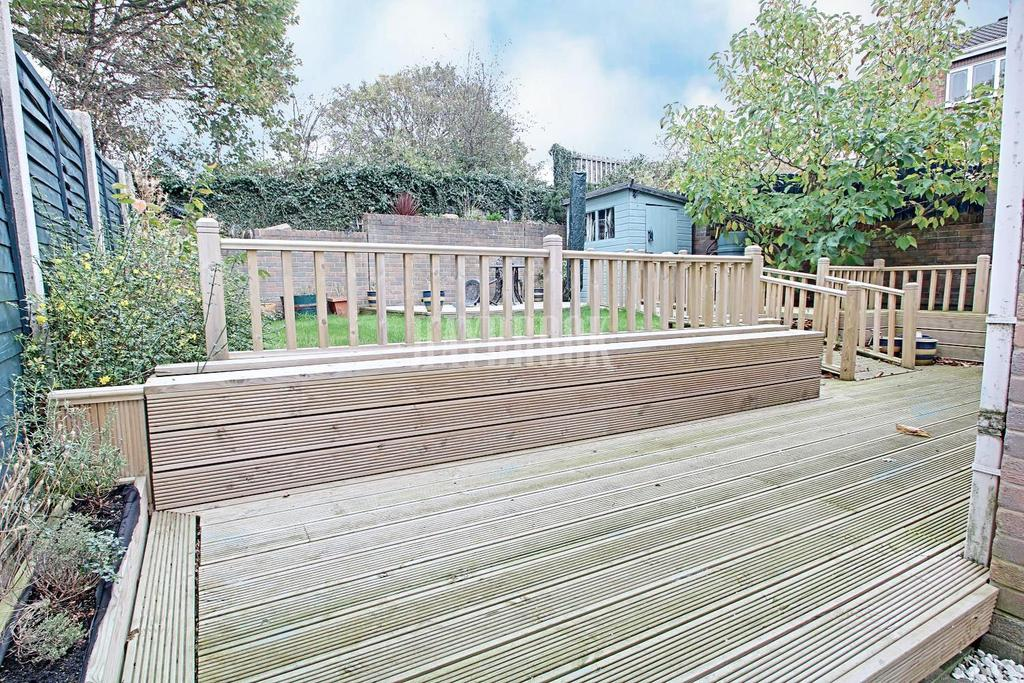 3 Bedrooms Detached House for sale in Pennine Close, Darton