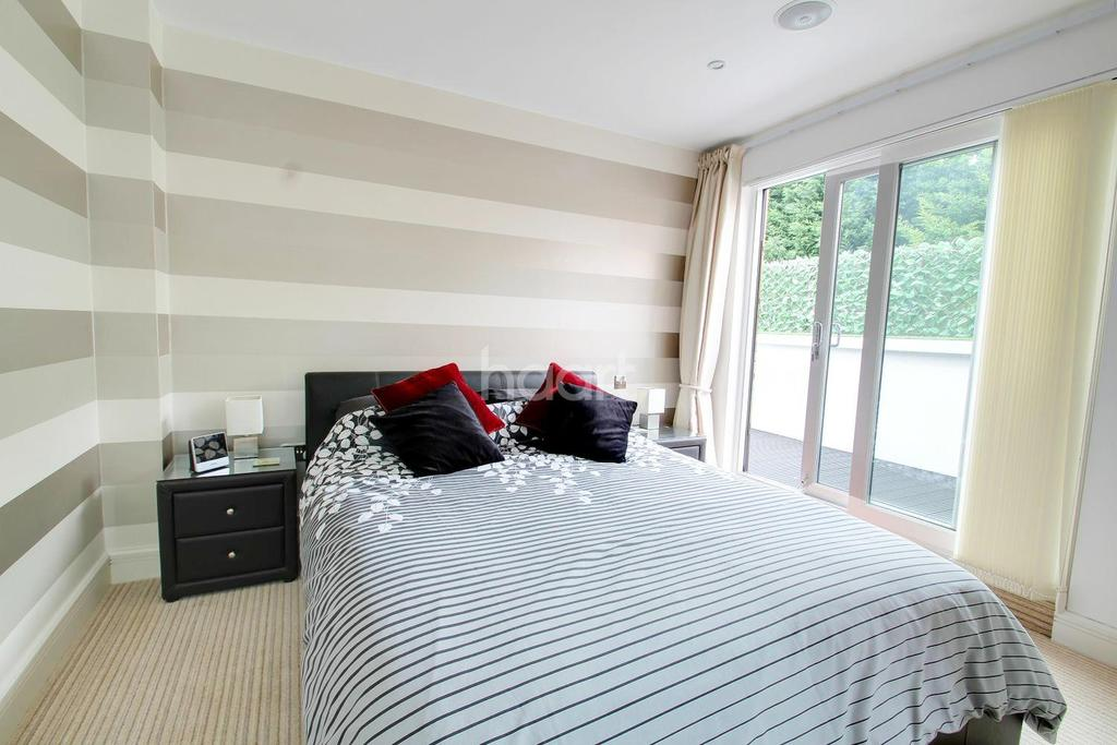 2 Bedrooms Flat for sale in Ramsgate Road, Broadstairs, CT10