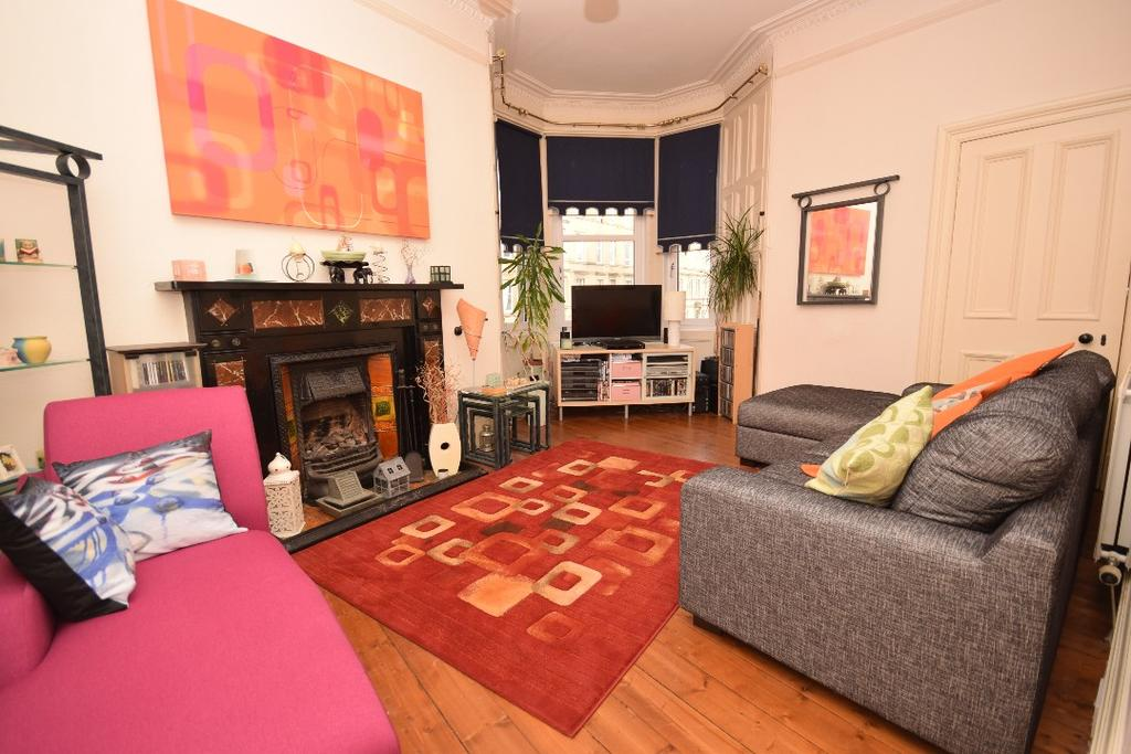 2 Bedrooms Apartment Flat for sale in Ogilvie Terrace , Flat 1F3 , Polwarth, Edinburgh, EH11 1NS