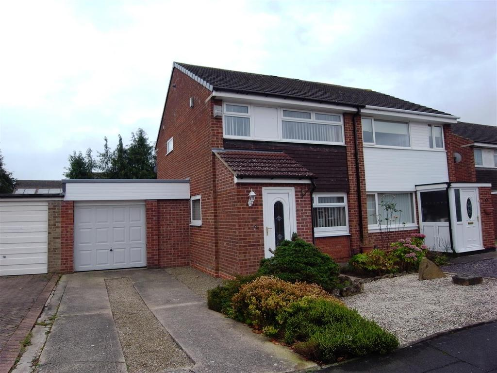 3 Bedrooms Semi Detached House for sale in Kilmarnock Road, Darlington