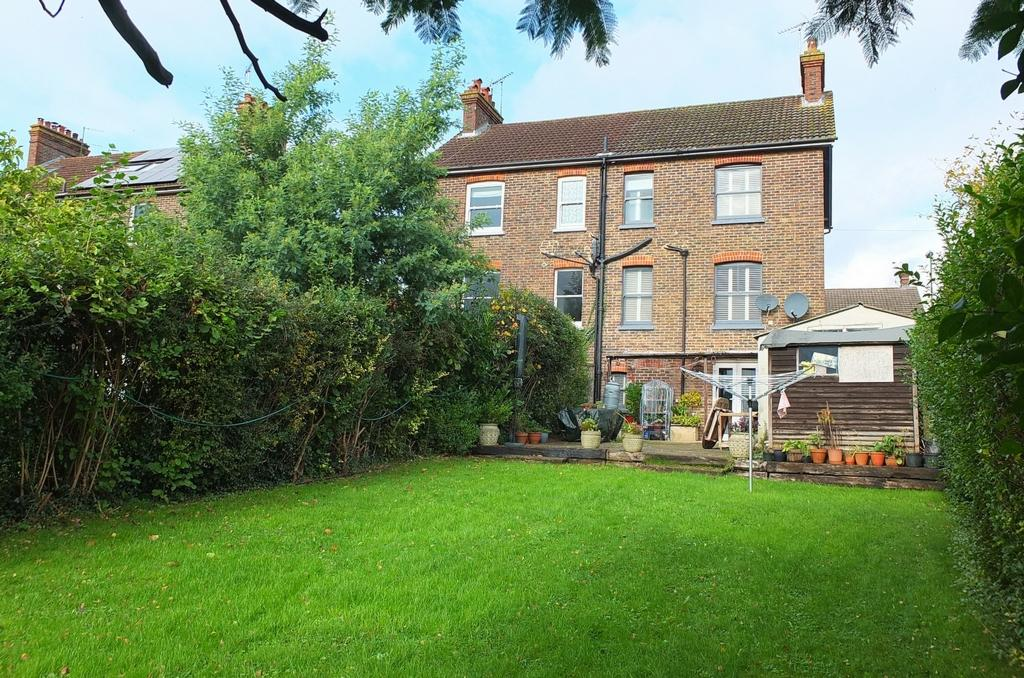 4 Bedrooms House for sale in Ashenground Road, Haywards Heath, RH16