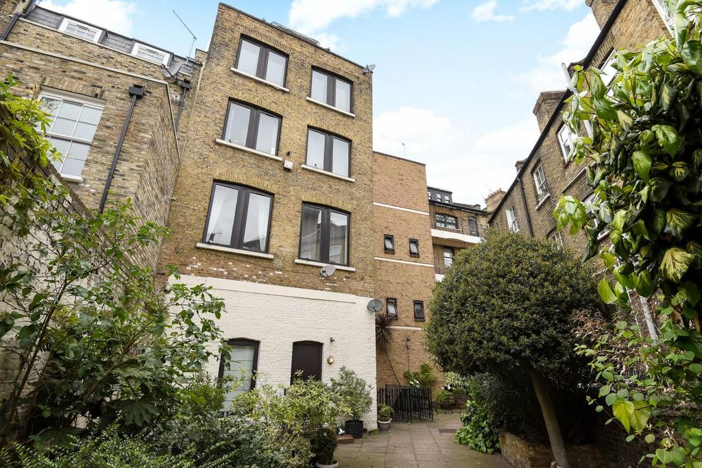 2 Bedrooms Flat for sale in Cleaver Street, Kennington