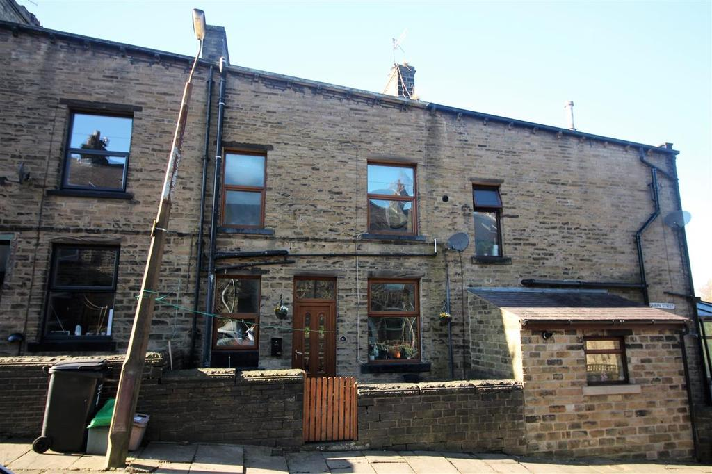 3 Bedrooms Terraced House for sale in Queen Street, Off Hall Bank Lane, Hebden Bridge