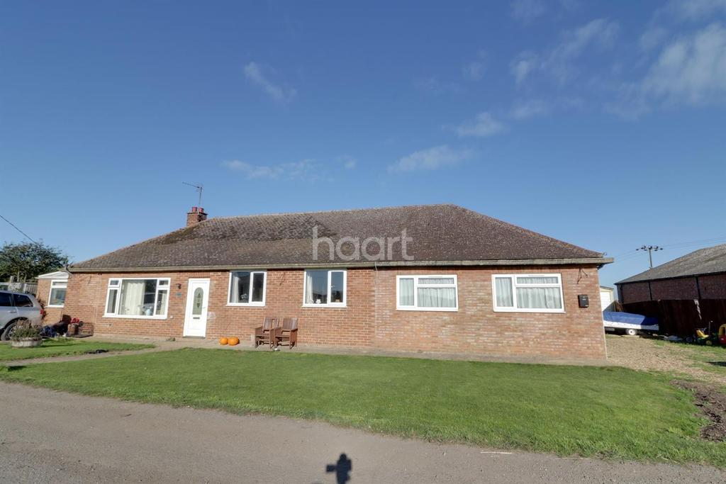 5 Bedrooms Bungalow for sale in Doddington
