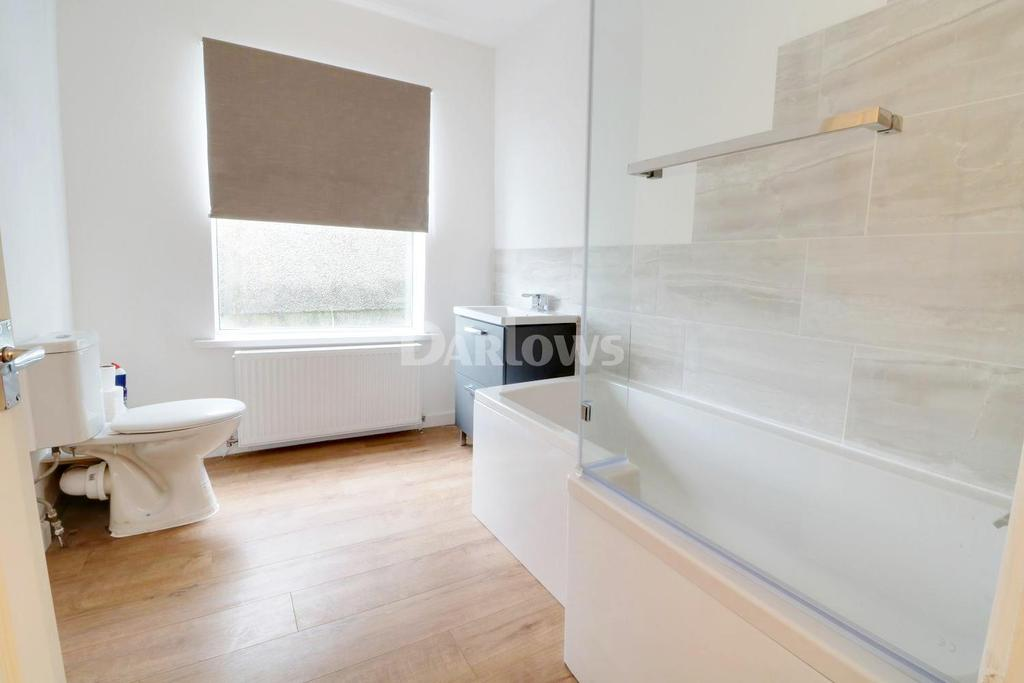 2 Bedrooms End Of Terrace House for sale in Miskin Road, Trealaw