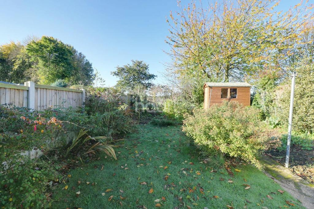 3 Bedrooms Semi Detached House for sale in Hunt Lea Avenue, Grantham