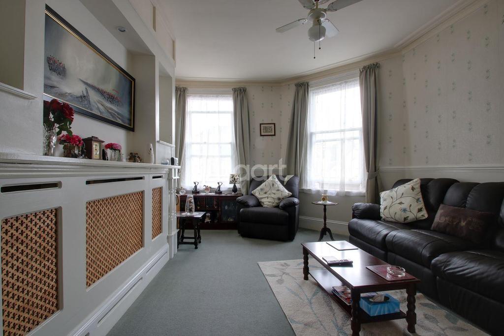 1 Bedroom Flat for sale in Church Street, Torquay