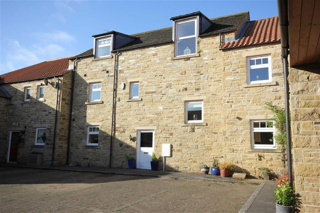 5 Bedrooms Terraced House for sale in Hallgarth Court, Richmond, North Yorkshire