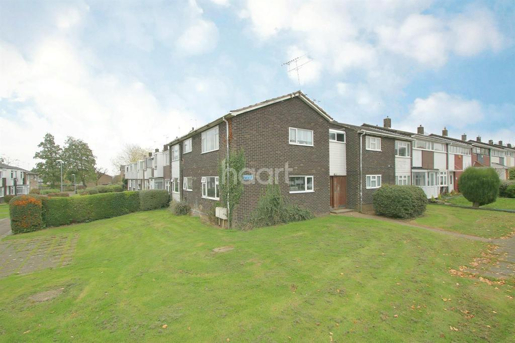 2 Bedrooms Flat for sale in Shepeshall, Basildon