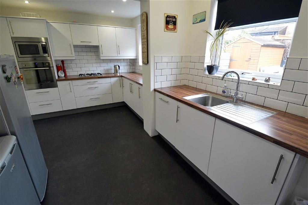 4 Bedrooms Semi Detached House for sale in Woodville Road, Off Hinckley Road
