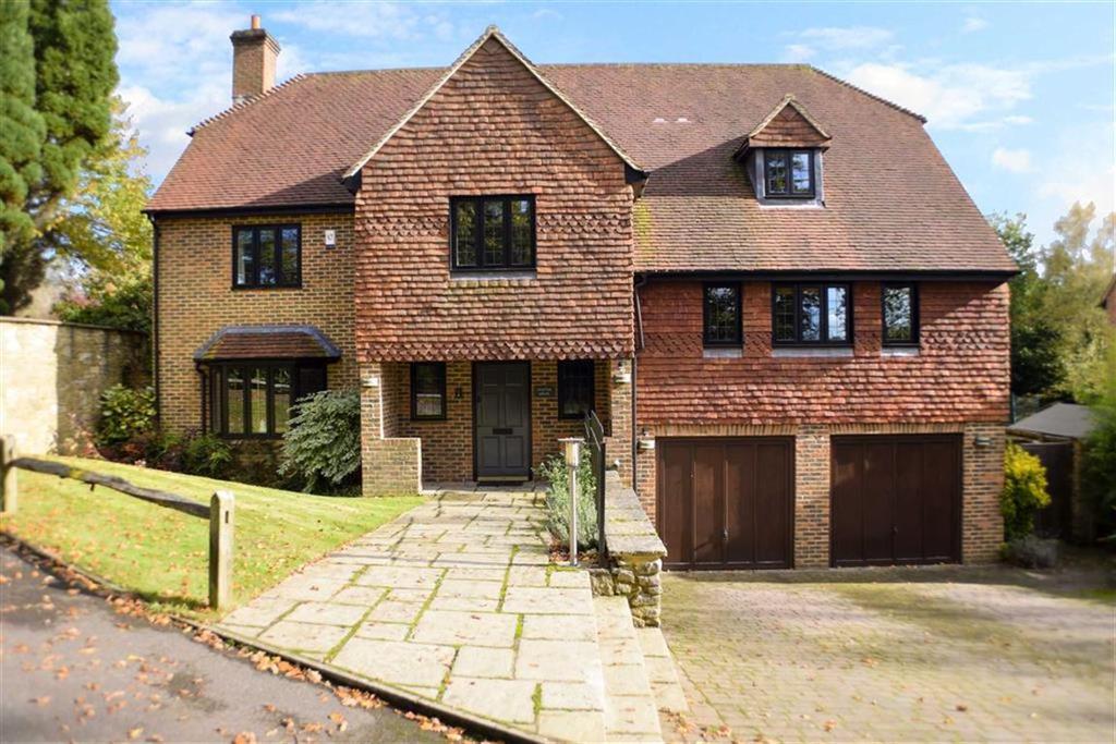 5 Bedrooms Detached House for sale in Kemnal Park, Haslemere, Surrey, GU27
