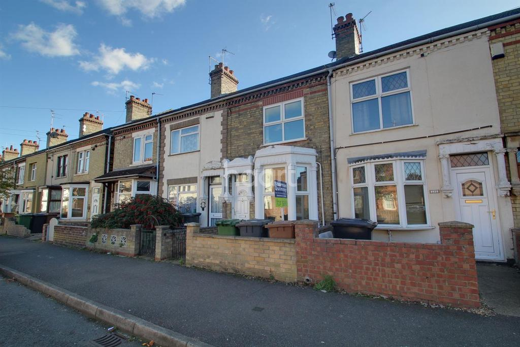 3 Bedrooms Terraced House for sale in Queens Walk, Woodston, Peterborough