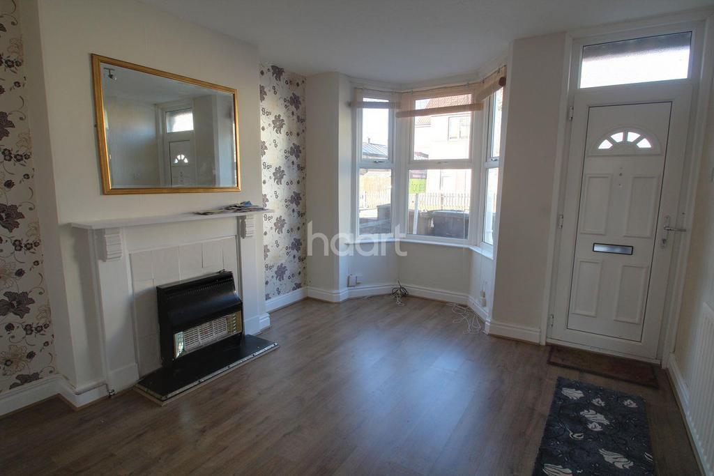 3 Bedrooms Terraced House for sale in Queens Walk, Woodston, Peterborough