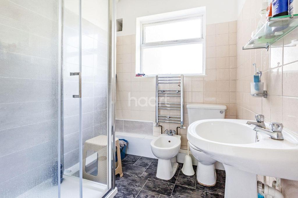 3 Bedrooms Terraced House for sale in Lucien Road, Tooting Bec, SW17