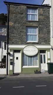 Shop to rent - Church Street, Barmouth LL42