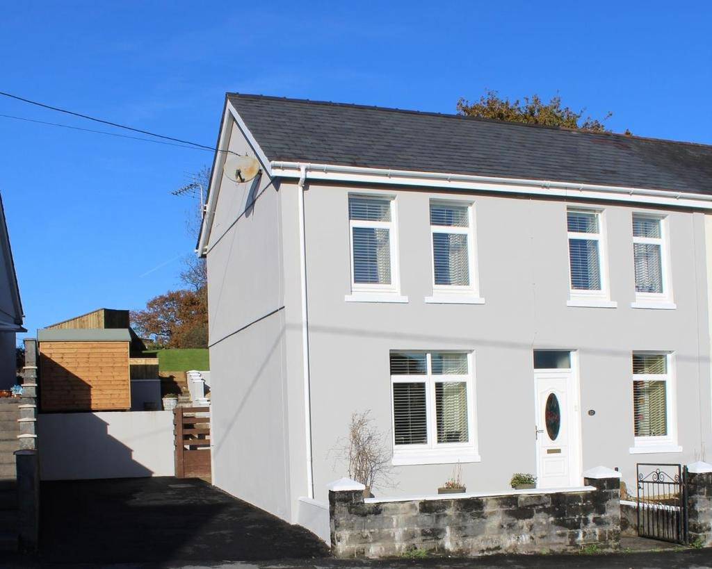 3 Bedrooms House for sale in Blaenau Road, Llandybie, Ammanford