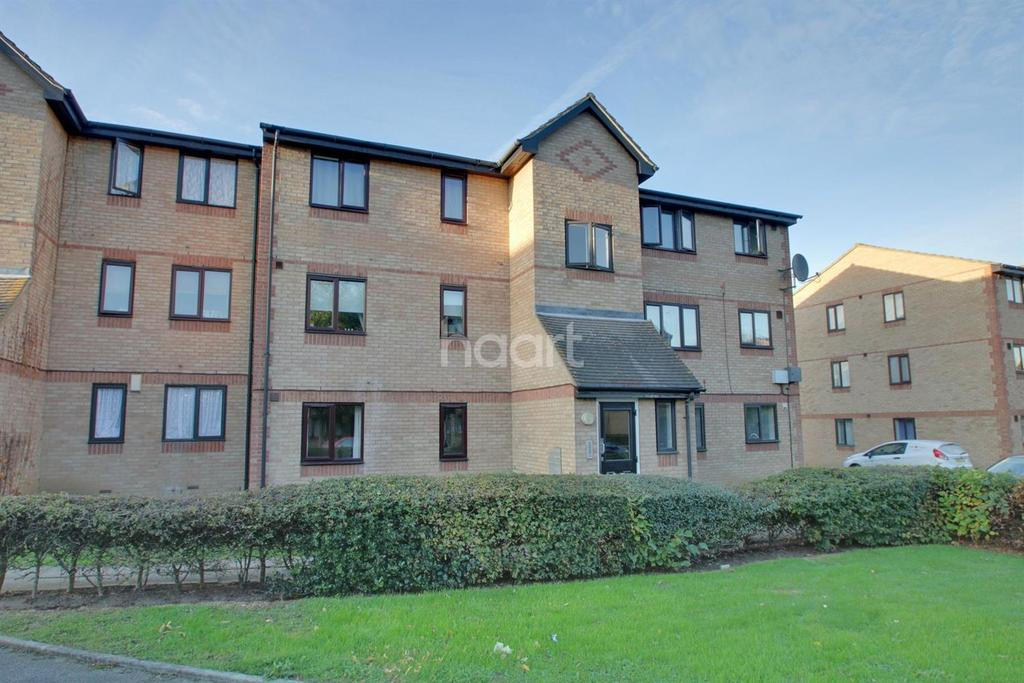 2 Bedrooms Flat for sale in Chestnut Road, Basildon