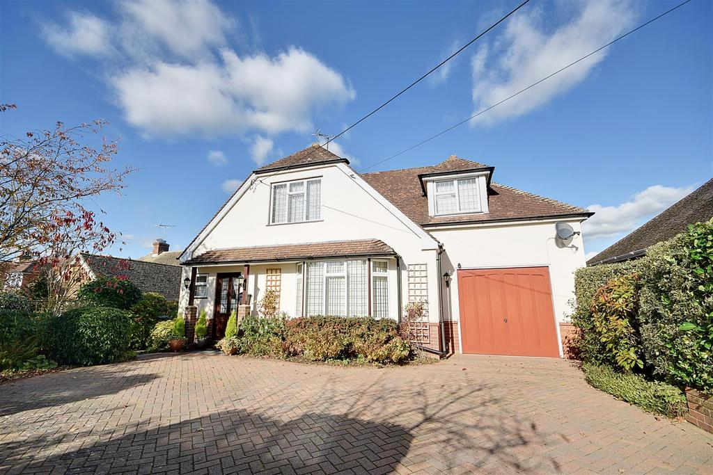 3 Bedrooms Detached House for sale in Main Street, Beckley, Rye