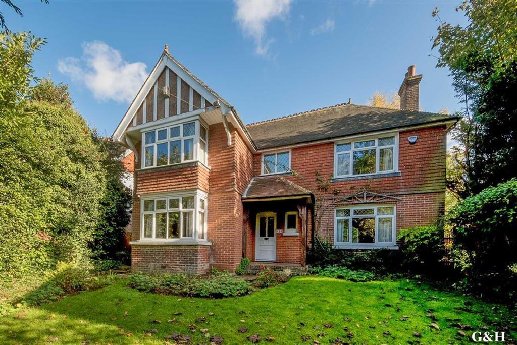4 Bedrooms Detached House for sale in Faversham Road, Ashford, Kent