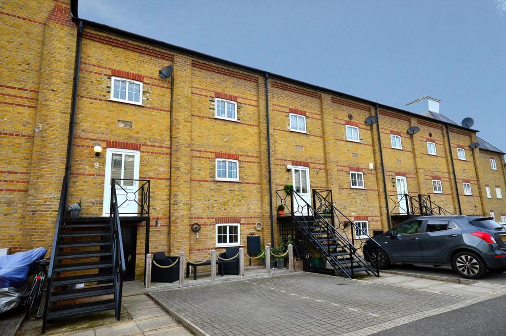 4 Bedrooms Town House for sale in Saltcote Maltings, Heybridge, Maldon, Essex, CM9