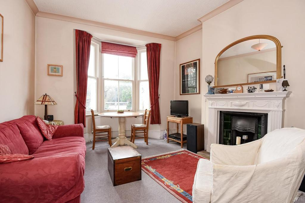1 Bedroom Flat for sale in Caxton Road, Shepherd's Bush