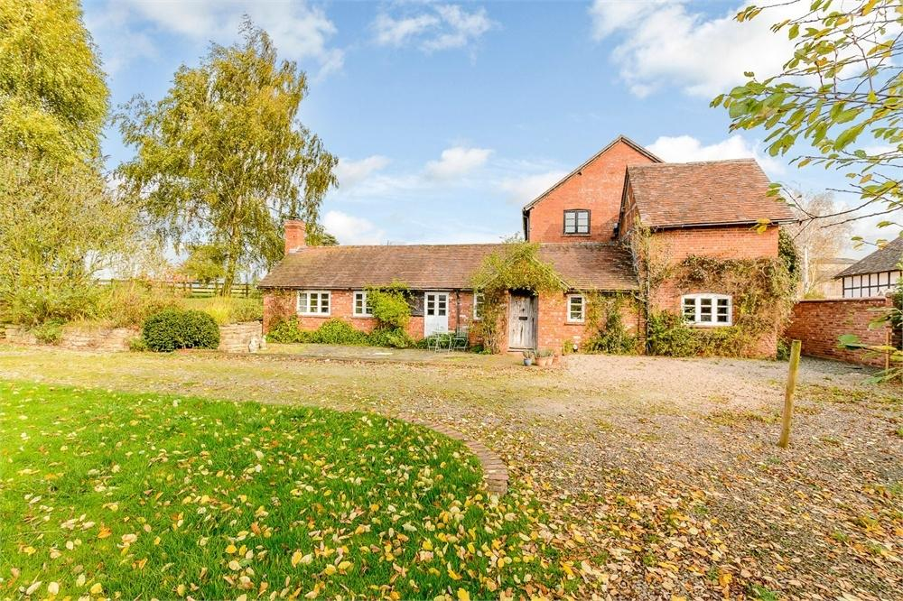 4 Bedrooms Detached House for sale in Stoke Bliss, Worcestershire