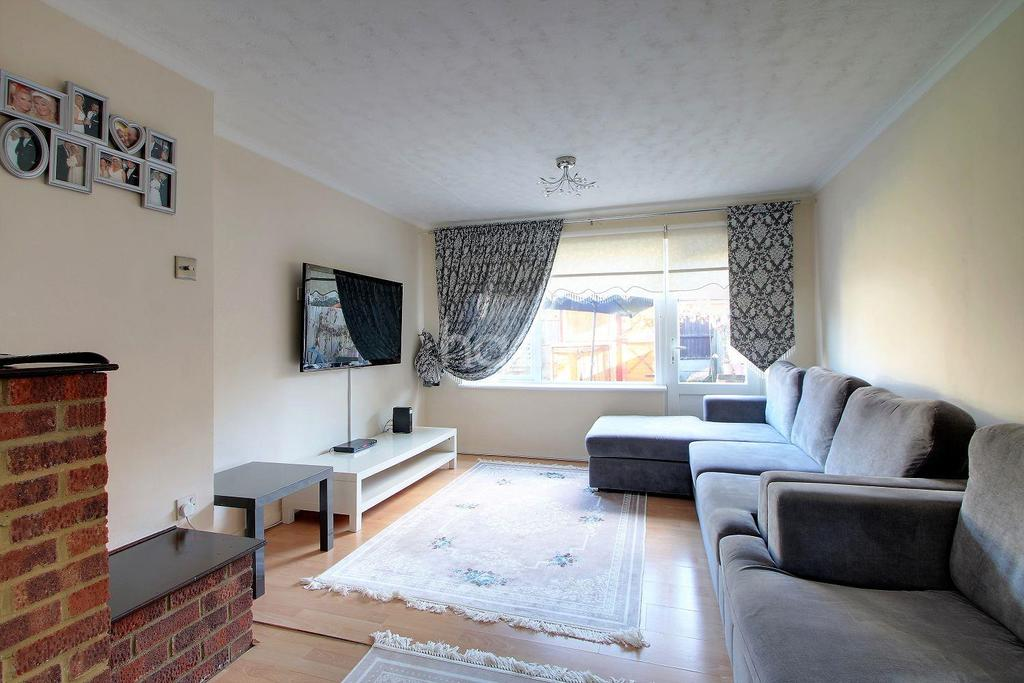 4 Bedrooms Terraced House for sale in Ada Gardens, Stratford, London, E15