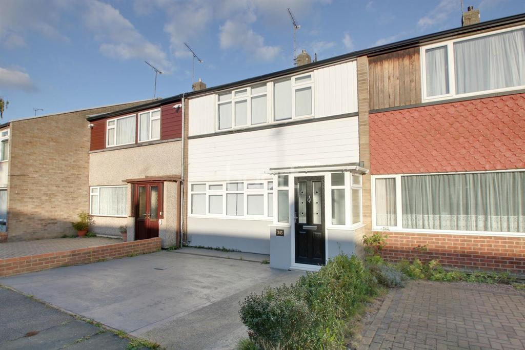 3 Bedrooms Terraced House for sale in Great Knightleys, Basildon